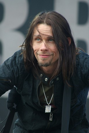 Myles+Kennedy+AlterBridgeDownloadFestival08L